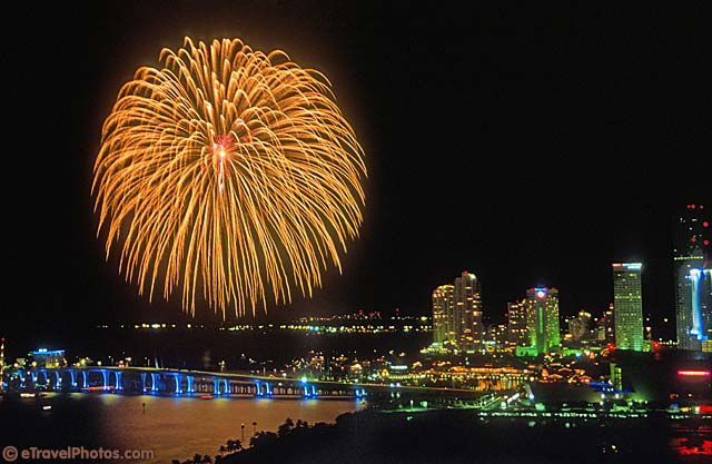 fireworks maimi