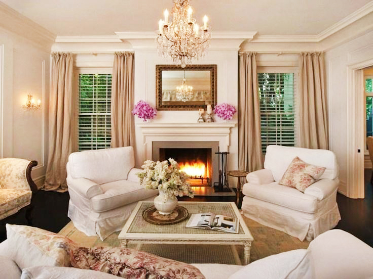 Jennifer-Lawrence-Beverly-Hills-House-Living-Room