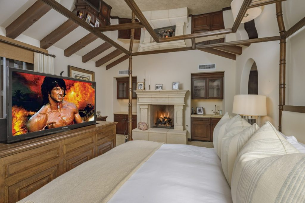 Sylvester-Stallone-Master-Bedroom-1200x799