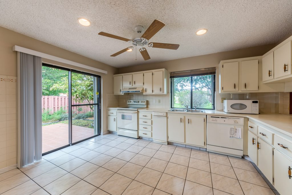 6315_sw_146th_court_mls_hid1126520_roomkitchen